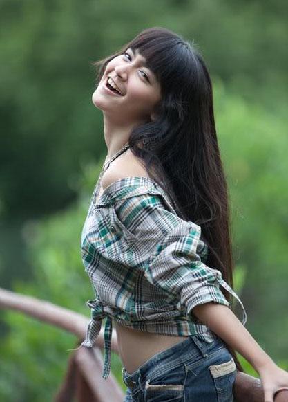 Berburu model telanjang di Malang...